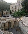 Bakı şəhəri, İçəri şəhər yerin qazımtı içləri zamanı yerin altında çıxan evin divarı.jpg