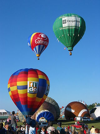 Balloons at the Gatineau Hot Air Balloon Festival.jpg