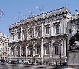 Этот архитектор, создатель «Банкетного зала» в Лондоне, был одним из первых, кто начал работать в палладианском стиле.   Ответы