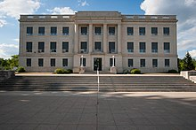 Barnes County Courthouse 2009.jpg