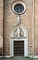 Basilica di Santa Maria dei Frari - Venezia - Portale della cappella Emiliani.jpg