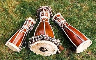Explorations in Afro-Cuban Dance and Drum - Batá drums. From left: okónkolo, iyá, itótele. Photo: Harold Muñiz