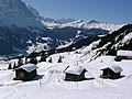 Blick über Grindelwald zur Kleinen Scheidegg und zum Männlichen - panoramio.jpg