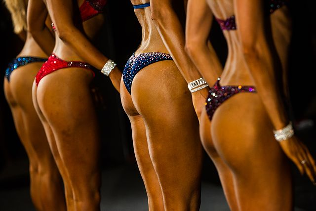 Bodybuilding and fitness bikini open tournament in Kaliningrad (2016-10-16) 38.jpg