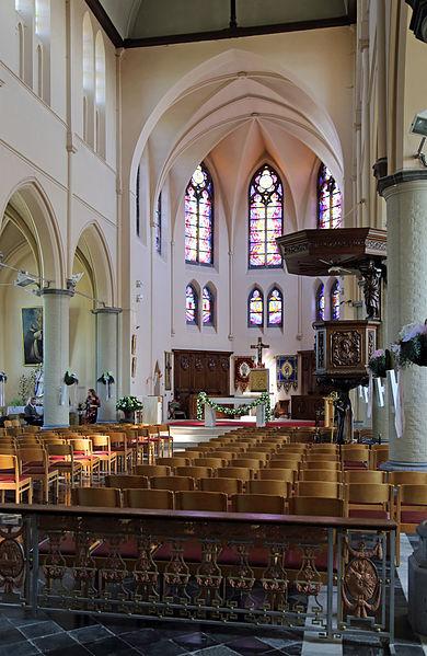 Bredene (Belgium): interior of St Richarius church