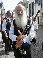 Breton pipe player.jpg