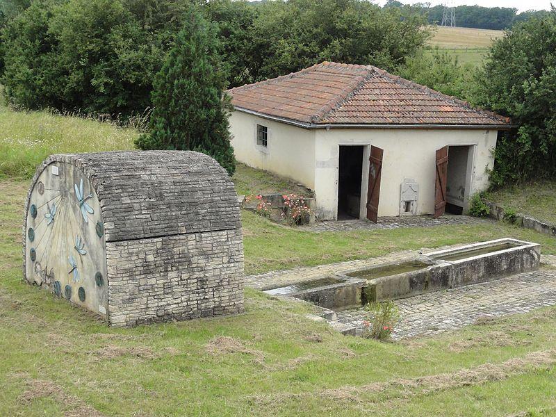 Buissoncourt (M-et-M) lavoir et fontaine