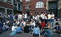 Bundesarchiv B 145 Bild-F079045-0034, Bonn, Schüler auf dem Schulhof.jpg