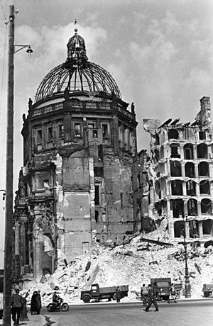 Bundesarchiv Bild 183-07964-0001, Berlin, Berl...