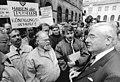 Bundesarchiv Bild 183-1990-0924-020, Gera, Protest von Post-Gewerkschaftern.jpg