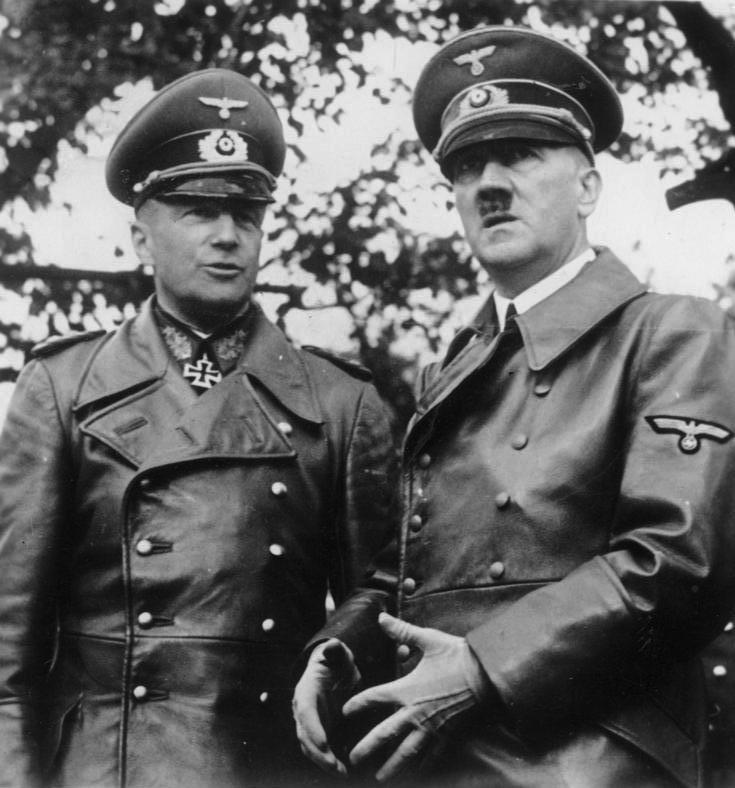 Bundesarchiv Bild 183-2001-0706-501, Warschau, Walther v. Brauchitsch, Adolf Hitler