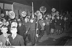 Bundesarchiv Bild 194-0273-38, Sankt Martinszug