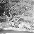 Bundesarchiv Bild 195-2326, Rheinbefliegung, Istein.jpg