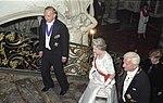 Bundesarchiv Bild 199-1992-088-09, Britische Königin Elisabeth II. in Brühl.jpg