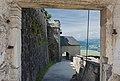 Burg Hochosterwitz 12 Brueckentor Blick auf 11 Mauertor 0106201 4316.jpg