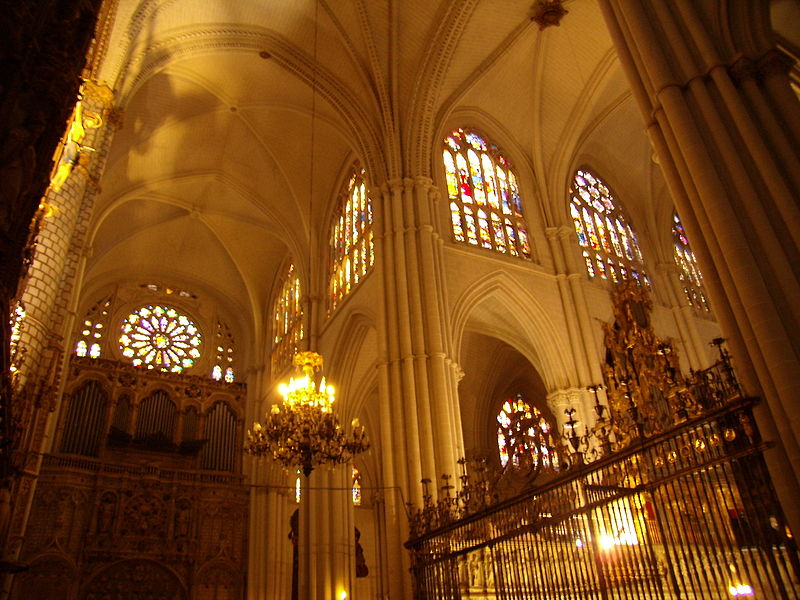File:Catedral de Toledo Interior.JPG - Wikimedia Commons