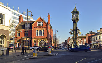 Jewellery Quarter - Image: Chamberlain Clock and the Rose Villa Tavern, Jewellery Quarter, Birmingham UK