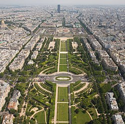 Champ de Mars from the Eiffel Tower - July 2006.jpg