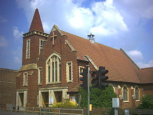 Worcester Park - Image: Christ Church with St. Philip, Cheam Common Road (A2043) geograph.org.uk 32661