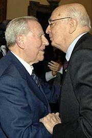 Napolitano subentra al Presidente Ciampi