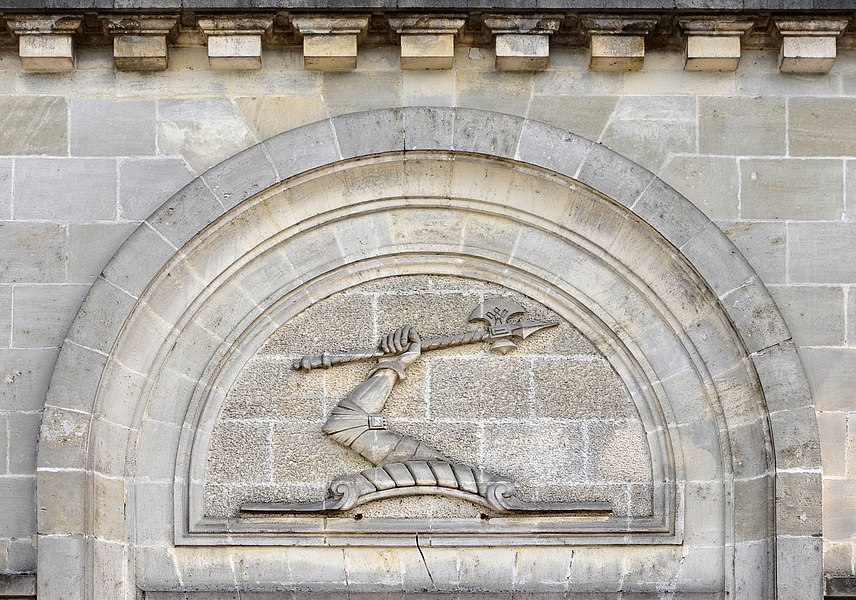 Carved emblem of Hennessy cognac, quai Maurice-Hennesy, Cognac, Charente, France.