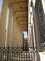 Colonnade palais de justice 02.JPG