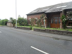 Converted Barn - Hall Cross (geograph 1956730).jpg