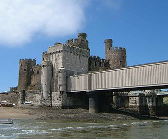 William Fairbairn - The western end of the Conwy Railway Bridge next to the castle