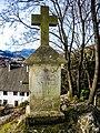 Croix avec épitaphe, près de l'ancien château du Friedberg.jpg