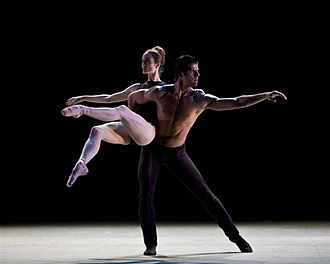 Marcelo Gomes (dancer) - Gomes dancing with Julie Kent