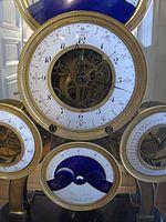 Détail de la pendule astronomique à 6 cadrans de Sarton,.jpg