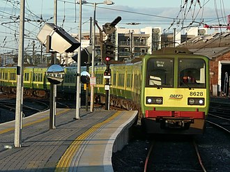 IE 8500, 8510 and 8520 Classes - 8628 leads into Dublin Connolly