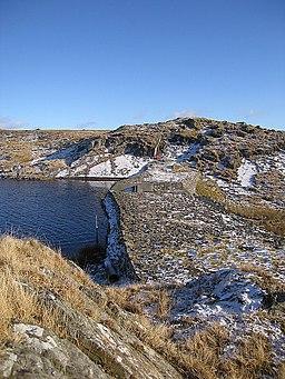 Dam, Llyn Pond Gwaith - geograph.org.uk - 1700934