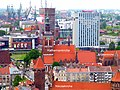 Danzig - Blick von der Marienkirche, Nikolaikirche(vorne) - Katharinenkirche(Mitte) - Brigittenkirche(rechts) - Bartholomäuskirche(hinten) - Nordea Bank und Mercure Hotel - Mikołaja Kościół (przód) - Katarz - panoramio.jpg