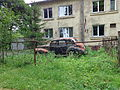 Derelict unknown car Riga.JPG