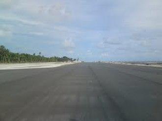 Dharavandhoo - Image: Dharavandhoo Airport Runway near Completion