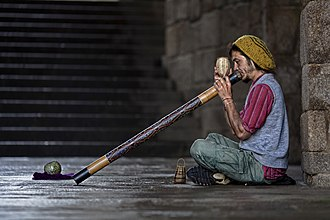 Didgeridoo - Didgeridoo street player in Spain