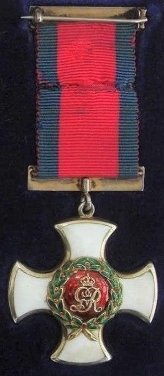 Distinguished Service Order - Image: Distinguished Service Order, King George V reverse