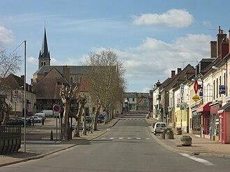 Dompierre-sur-Besbre - The main road in Dompierre-sur-Besbre