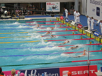 100 metres freestyle - The switch to mid-race in a 100 m freestyle.