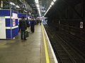 Earl's Court stn eastbound District platform 1 look west.JPG
