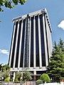 Edificio en el número 102 de la calle Caleruega.JPG