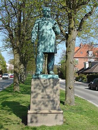 Edward Tesdorpf - The statue of Edward Tesdorpf at Tesdorpfvej in Frederiksberg, Copenhagen