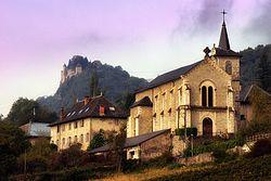 Eglise de Fréterive et Chateau de Miolans (Savoie) (22694761567).jpg