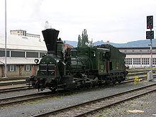La locomotiva Bourbonnais GKB 671, ex BBÖ 49.03, ex SB 671. Costruita nel 1860, è mantenuta in ordine di servizio e viene spesso utilizzata per treni rievocativi e turistici. Attualmente (2016) è la più antica locomotiva a vapore con tender separato funzionante esistente nel mondo. Stazione di Graz Köflacher, 16 aprile 2008.