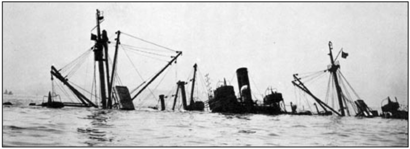 File:El Estero sunk in NY Harbor 1943.tiff