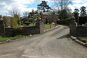 English: Entrance to the Vicarage, Allensmore.