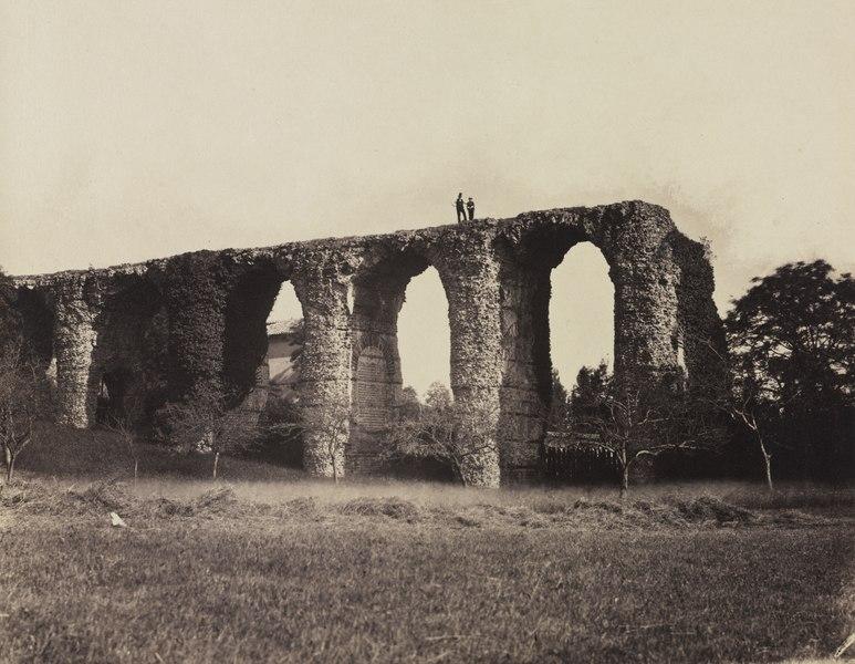 roman aqueduct - image 9