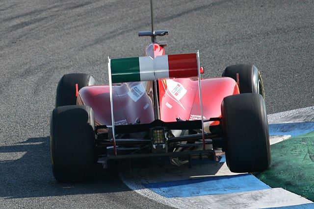 F1 2011 Jerez day2 15 (cropped)