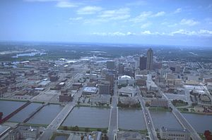 Des Moines, Iowa - An aerial view of floodwaters, July 19, 1993